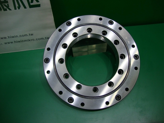 Internal Gear Light Three -Row Roller Slewing Ring Bearing with Flange ( OD 518 - 1198mm )