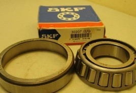 Papermaking Machinery Single Row Tapered Roller Bearings With Z1 / Z2 / Z3 / Z4 Vabration