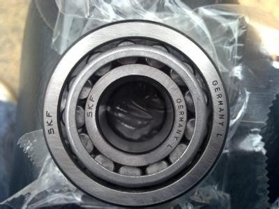 Building Machines Single Row Tapered Roller Bearings Bearing Steel With P5 / P4 / P2